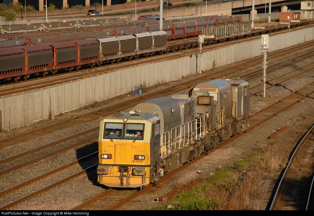 RailPictures.Net Photo: 98959 Untitled sandite MPV at Birmingham, United Kingdom by Mike Hemming