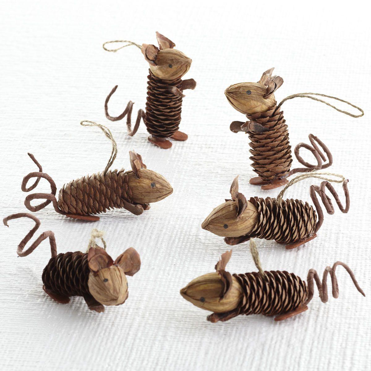 automne-hiver - souris avec cônes de conifères   art manuel