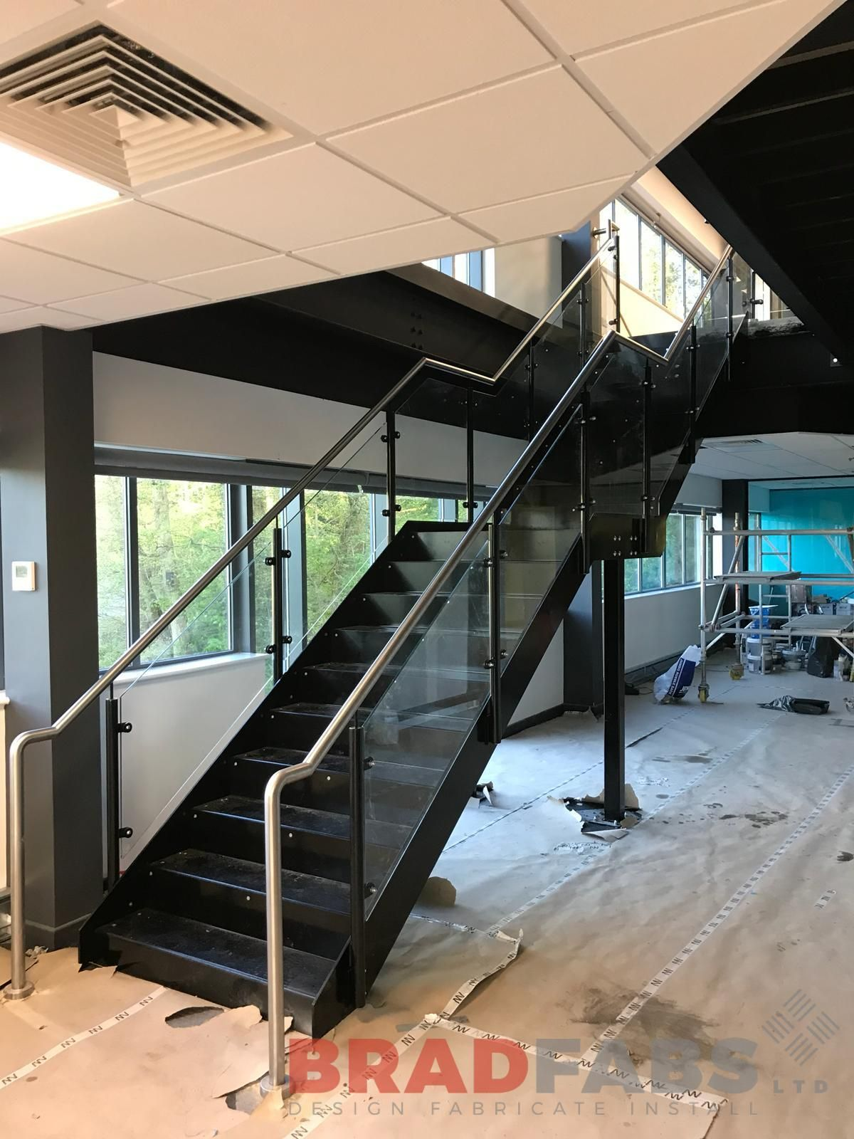 Best Mild Steel And Powder Coated Staircase With Stainless 400 x 300