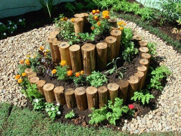 15 Creative Spiral Garden To Break The Monotony In Outdoor Place The Art In Life Spiral Garden Diy Garden Projects Garden Art Diy