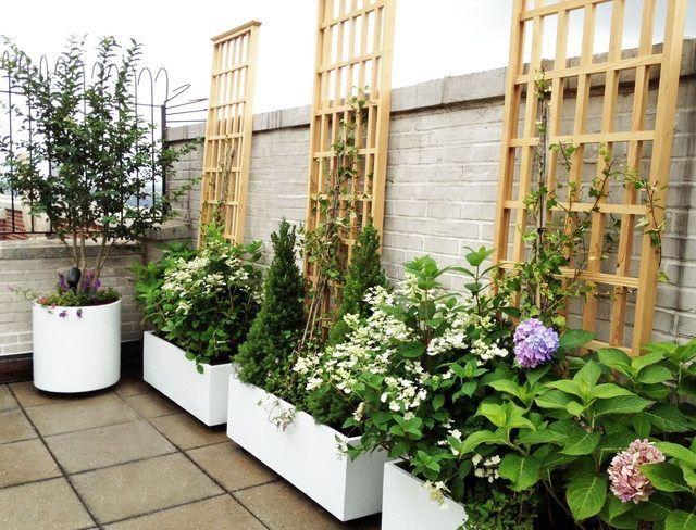 Moderne Pflanzgefäße Terrasse garten terrasse schutz vor sonneneinstrahlung dekorative rankhilfe