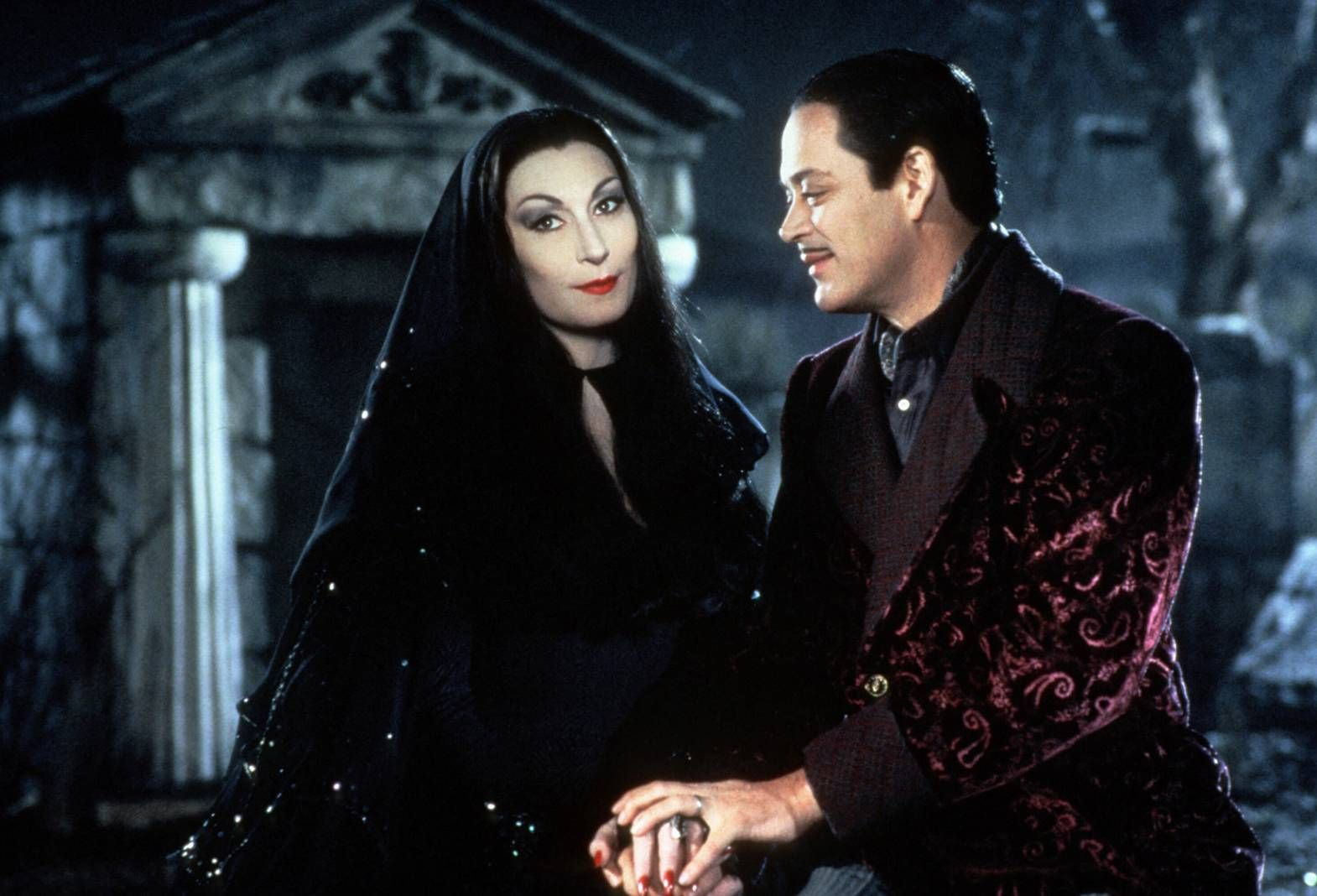 raul julia and anjelica huston as gomez & morticia from the addams