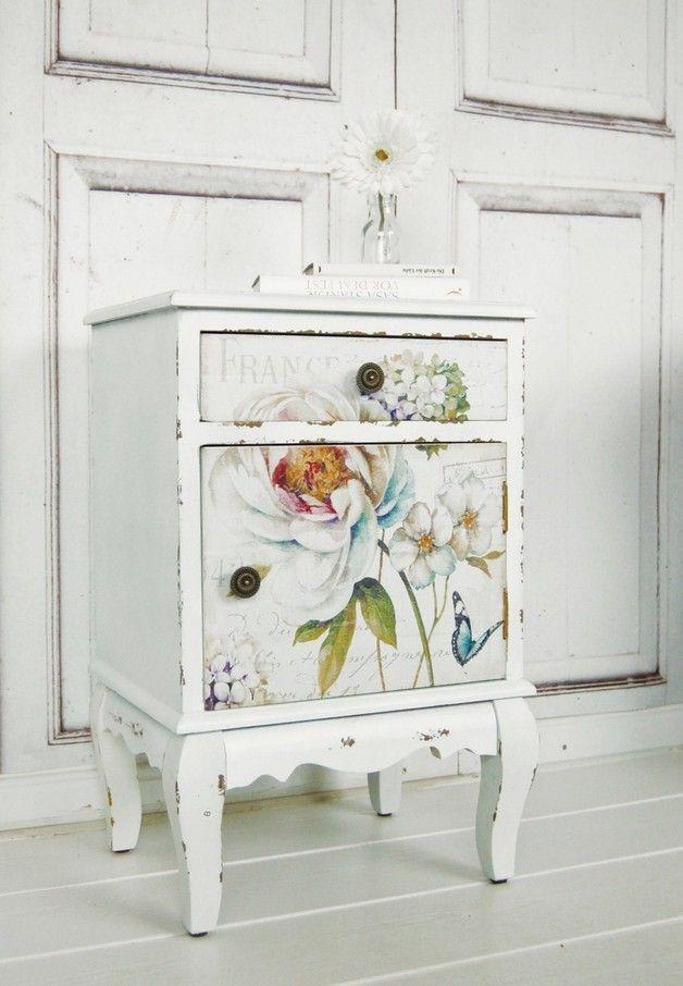 Vintage Nachttisch Mit Blumen Im Shabby Look, Landhausstil, Schlafzimmer /  Classic White Bed Table