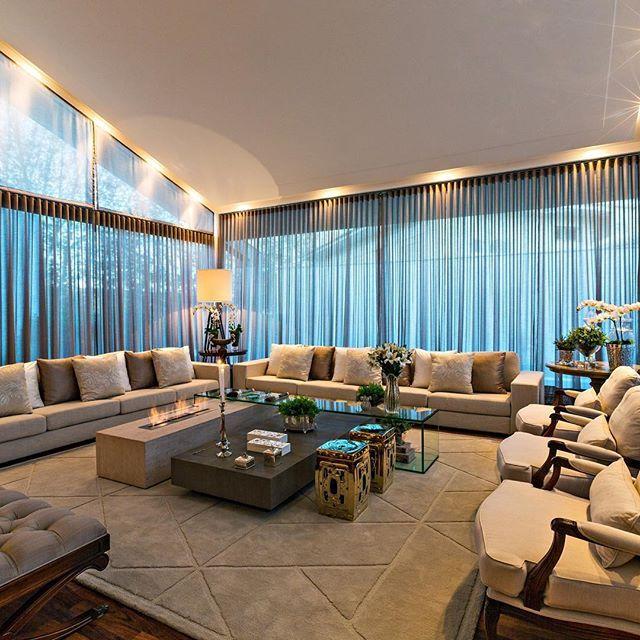 Boaaaaa noiteeeee com esse living clarinho e lindo!! Muito ... on Luxo Living Outdoor id=37420