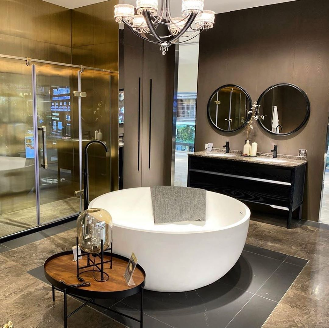 If there's a room that deserves luxury, it's the bathroom.  Source elegant furniture through @jangmay.international and find tailor made interior solutions.💯 . . . . #jangmay #jangmayinternational #furniture #lights #interiordesigngoals #interiordesign #interior #interiors #interior4you1 #interiorismo #interior_design #interio #interiors #interiør #architecture #architects #sourcing #sourcingagent #procurement #furnituremall #turnkey #india #china #usa#australia#italy#dubai#europe#world