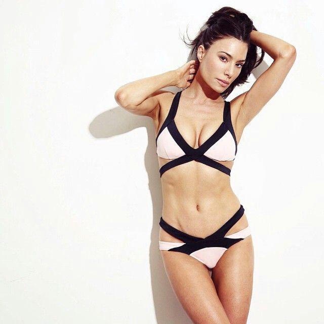 Jaime murray bikini