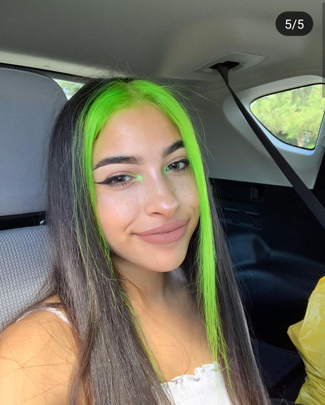 Okay I Know I Shouldn T Do Neon Green But A Part Of Me Wants To Do Neon Green So Okay I Know I Shouldn In 2020 Hair Color Streaks Neon