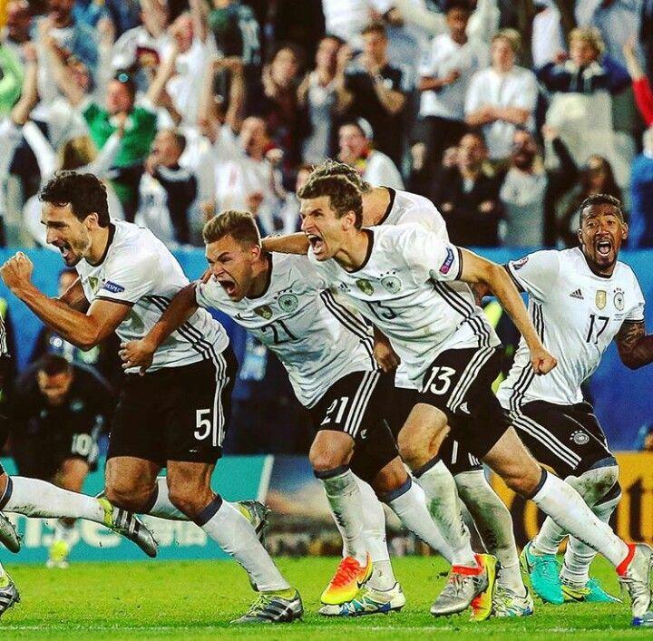 Deutscher Fussball Bund / DFB-Team / Die Mannschaft / Vive ...