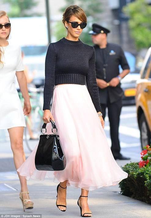 jessica Alba in classy pink & black  #