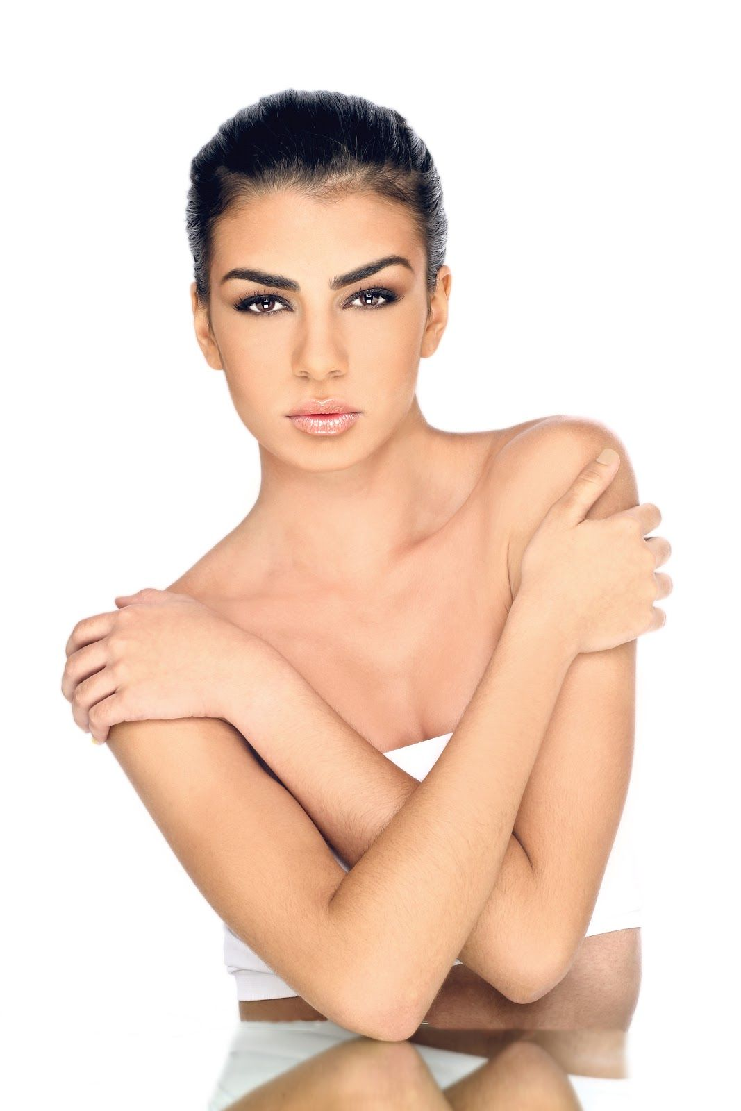 Photographer & Edit: Alberto Pérez Model: Alejandra Ramos Muñoz from Rimmel London Stylist:
