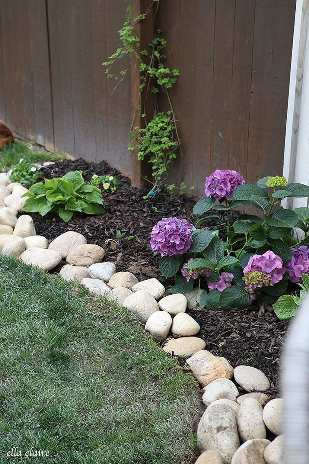 Gorgeous 50 Garden Bed Borders Ideas For Vegetable And Flower Gardens