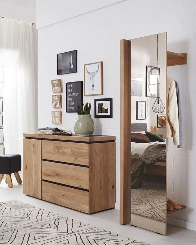 Eine Perfekte Kombination Fur Die Ankleide Oder Euren Eingangsbereich Die Kommode Und Spiegelgarderobe S Spiegel Garderobe Garderoben Eingangsbereich Ankleide