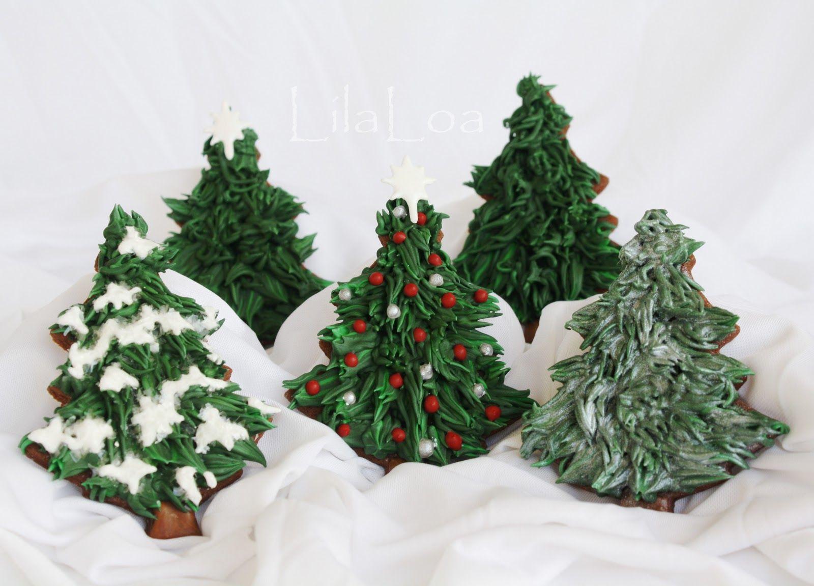 Lilaloa Christmas Trees On The Traditional Side Christmas Cookies Decorated Christmas Tree Cookies Christmas Sugar Cookies