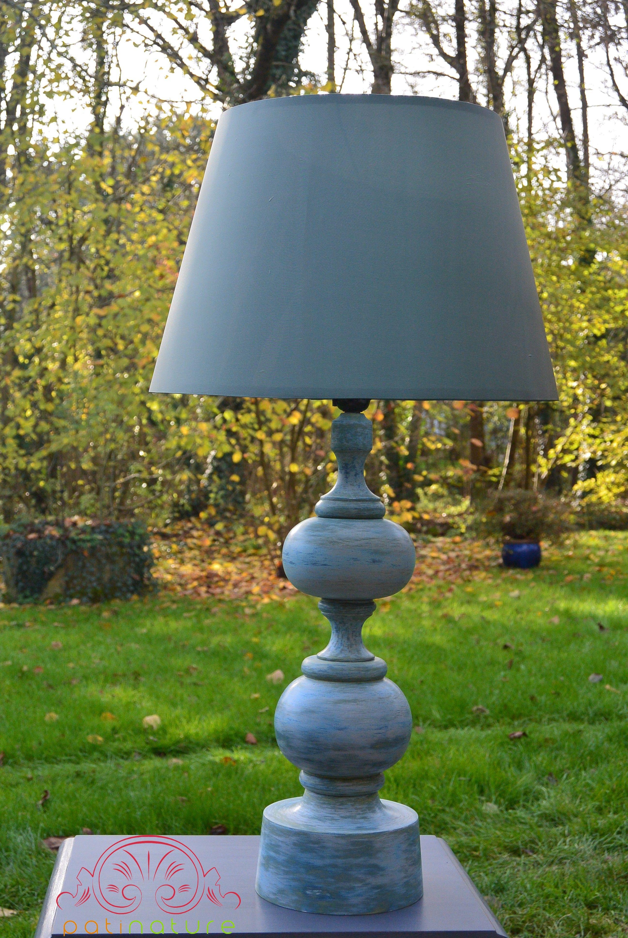 Pied de lampe : peinture à la caséine 3 couleurs, finition à