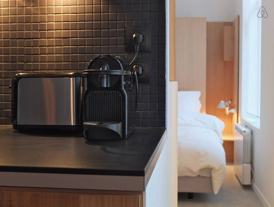 #kitchen #black #tiles