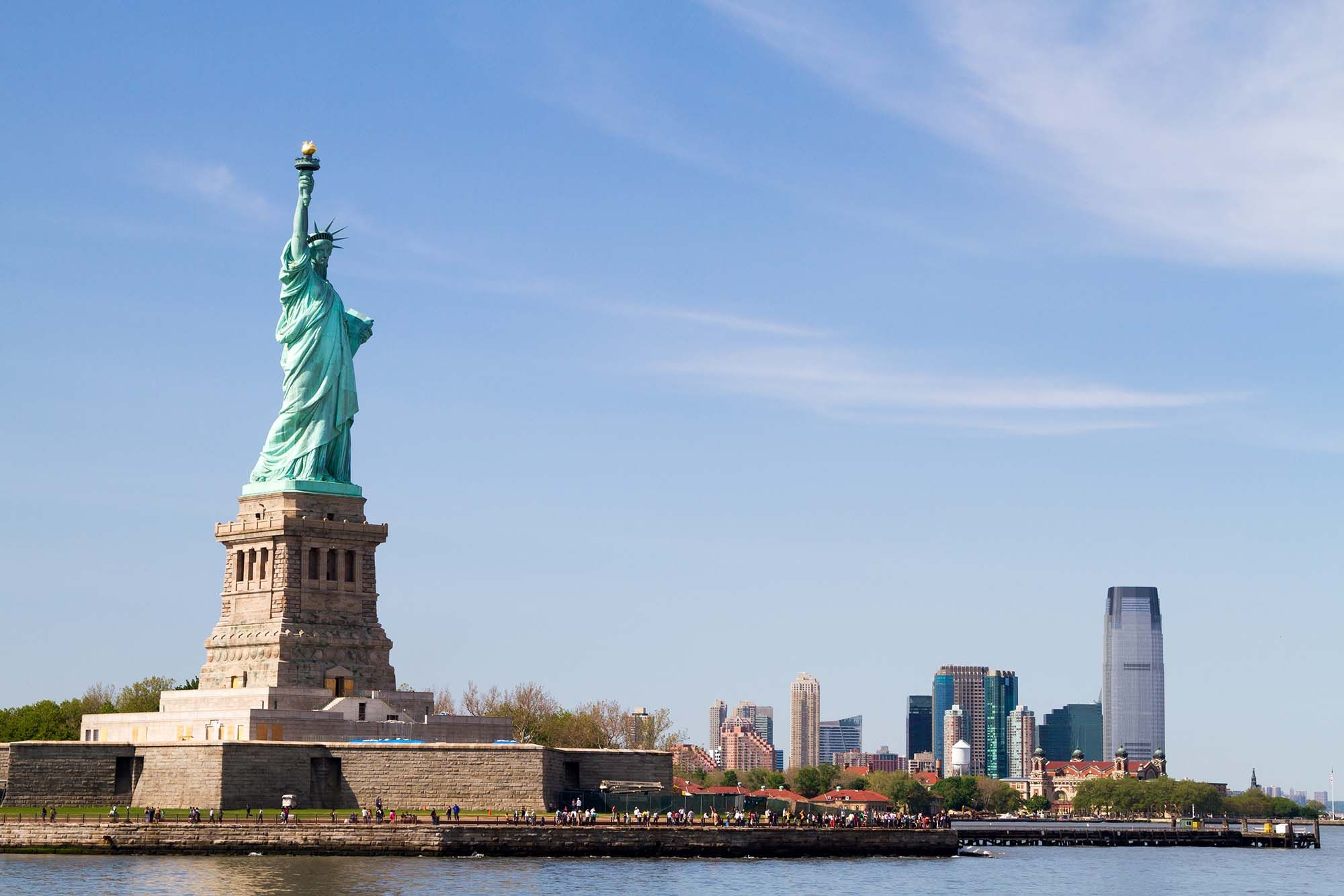 stachu of liberty.The Statue of Liberty is a colossal neoclassical sculpture on Liberty Island in the middle of New York Harbor, in Manhattan, New York City.Cheap Flights to New York.http://www.traveltrolley.co.uk