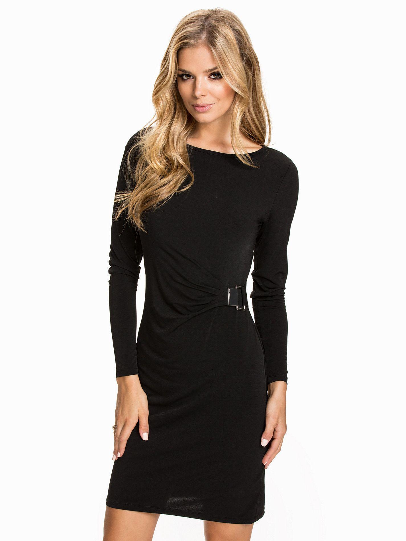 Robe noire femme pas cher