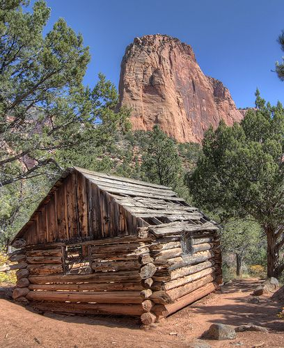Merveilleux Taylor Creek Cabin, Zion National Park, Utah; Photo By John Fowler