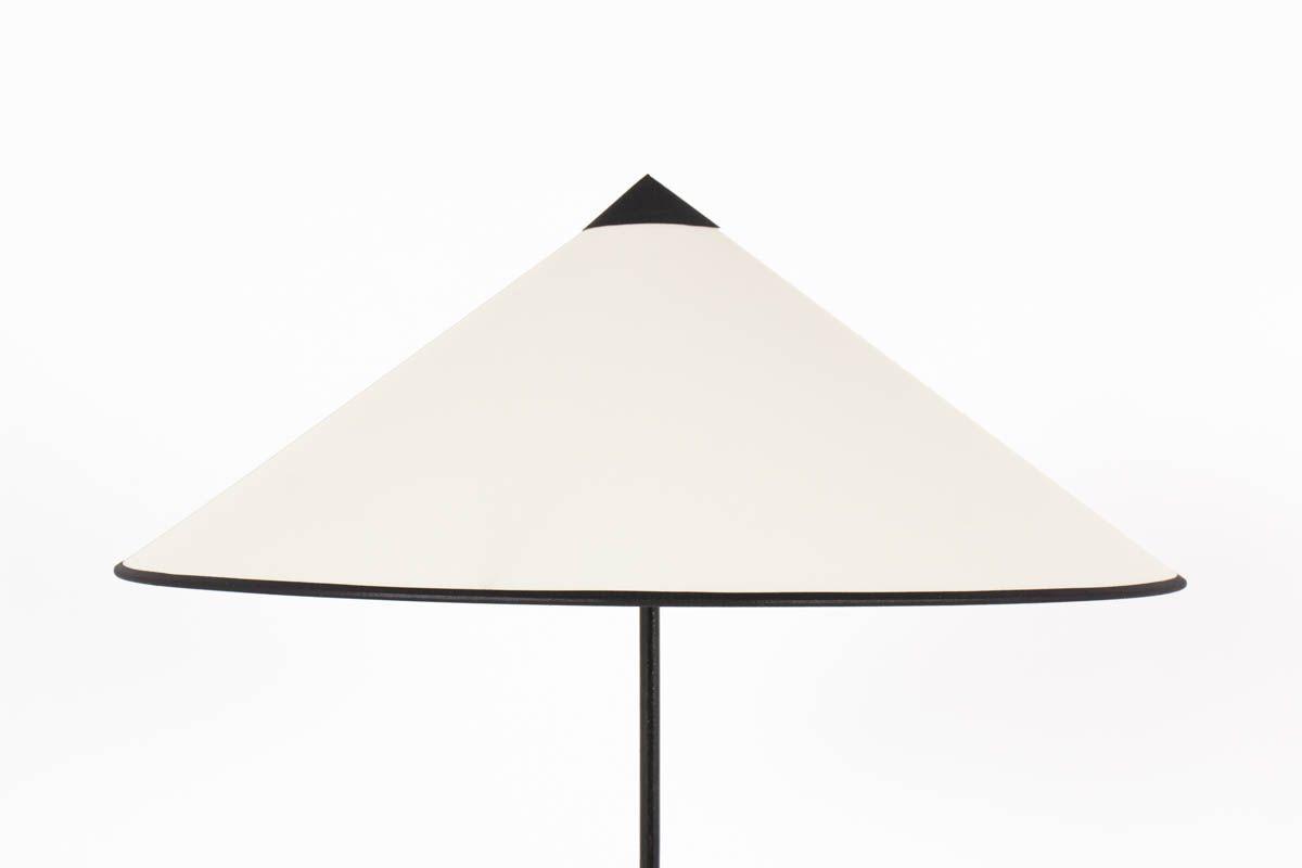 Vintage Lighting With Minimalist Lines Of The 50s Floor Lamp Tripod Floor Lamps Lamp