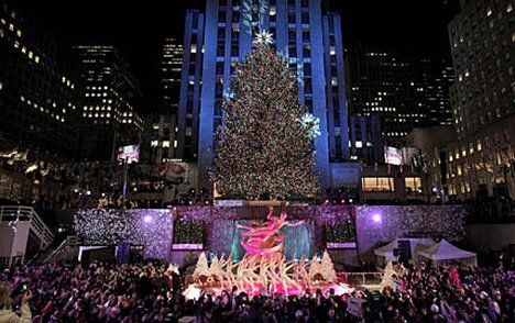 New York's fairytale Christmas | Buckets, Rockefeller center and City