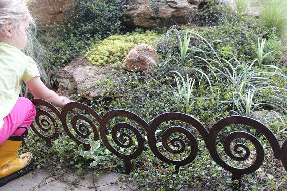 7 Spiral Garden Stake Steel Garden Decor Planter Edge 400 x 300