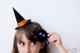 cec5c2be9bca7 Mini sombrero de bruja hecho de  GomaEva cómo hacer un sombrerito de bruja  para  Halloween.