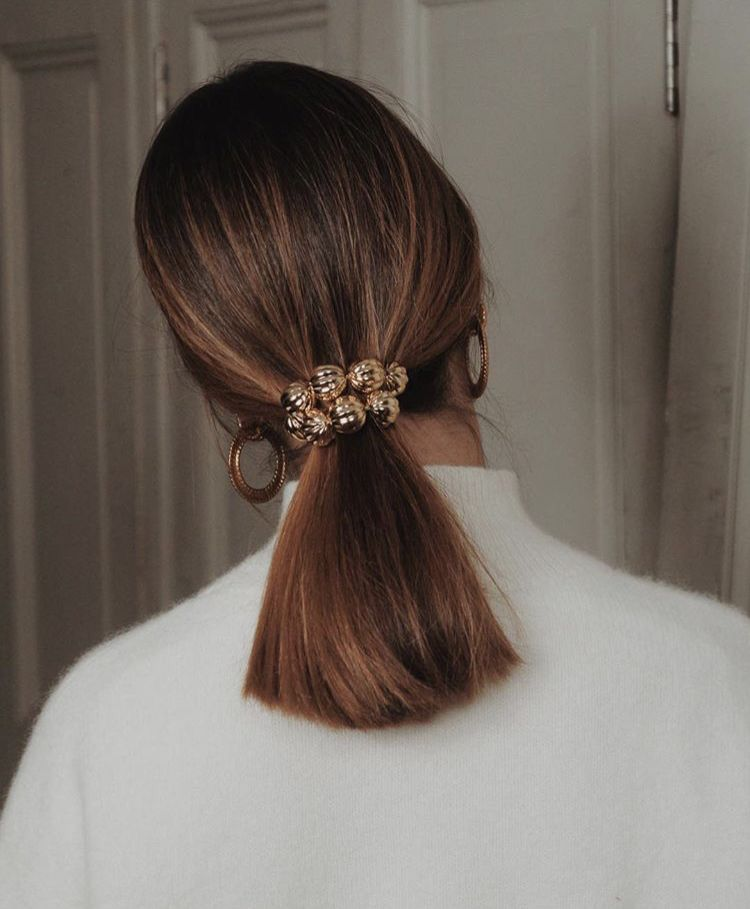 10 Quick Hairstyle Ideas That Save Time In The Morning | Ecemella #collegeoutfits