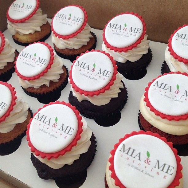 Mia Me Catering Custom Cupcakes Cupcakes By Acw Pinterest