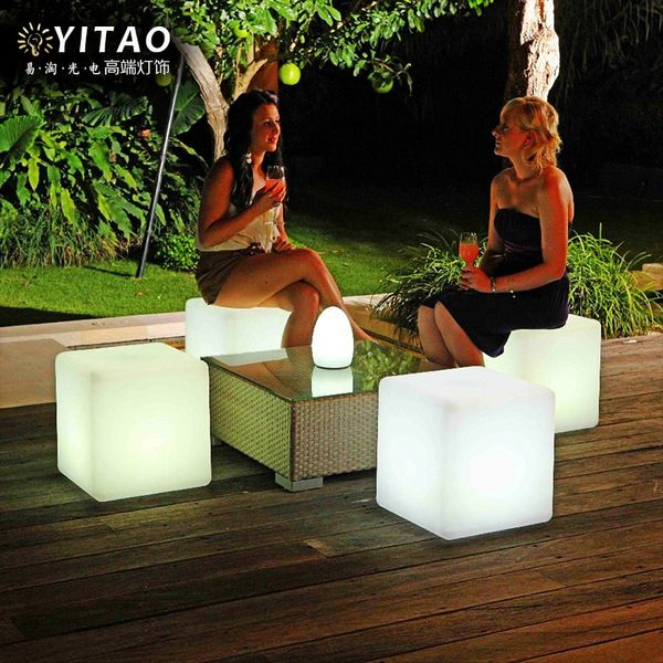 The Lighted Cube Chair Is An Outdoor Chair That Is Lighted Up By An LED  Within The Cube That Comes With A Remote Control To Turn The Light Within  The Chair ...