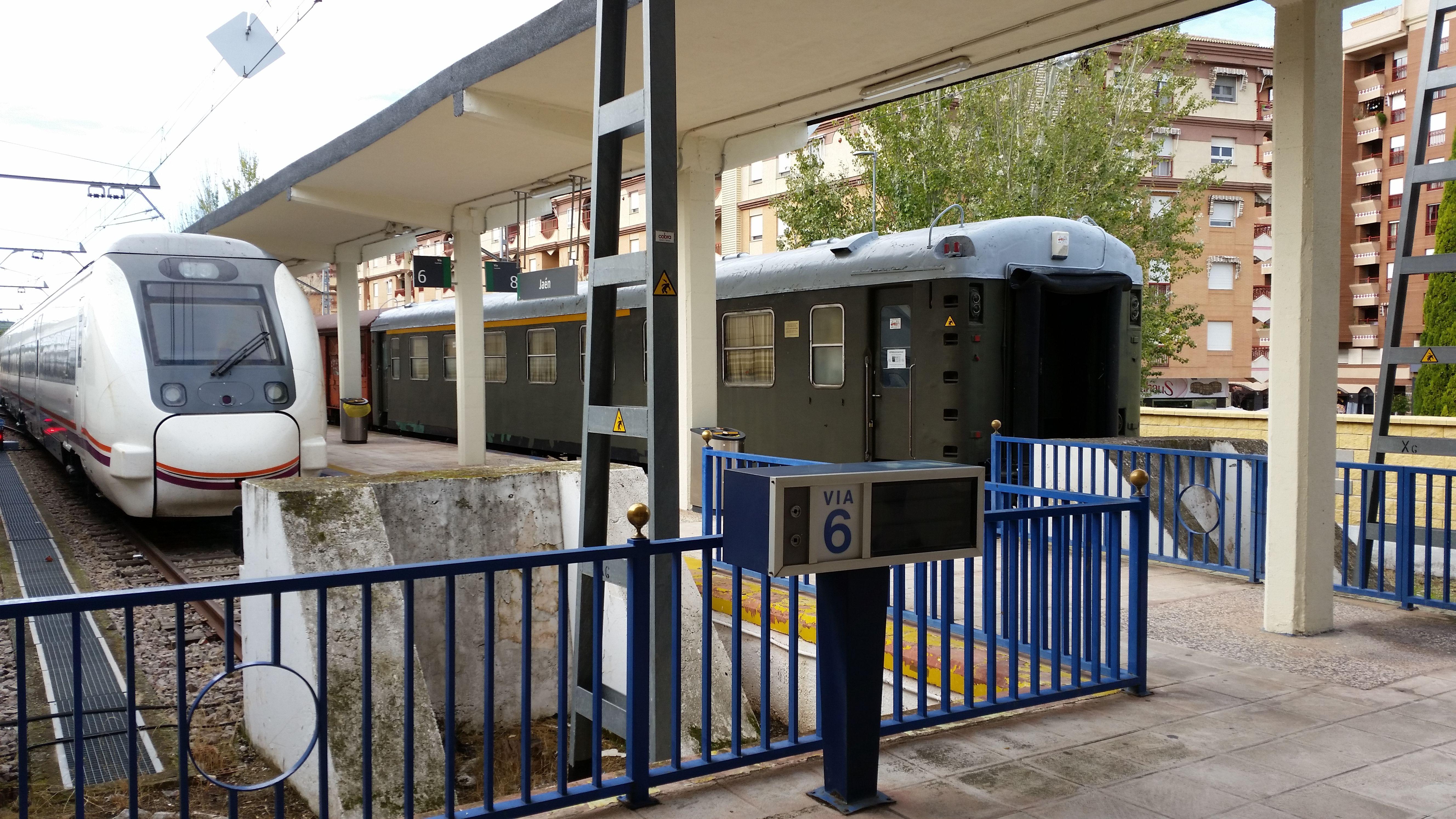 andenes de la actual estación de ferrocarril de Jaén