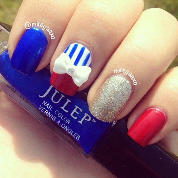 mireyaaxo's festive tips. Show us your 4th of July-inspired nails! Tag your pic #SephoraNailspotting to be featured on our social sites.