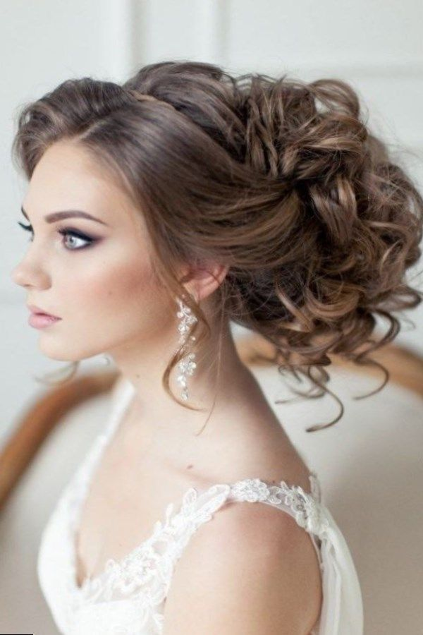 coiffure de mariage 2017 https tendances. Black Bedroom Furniture Sets. Home Design Ideas