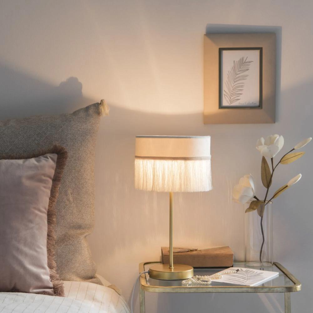 Lampe En Métal Doré Et Abat Jour En Velours Blanc à Franges Grease Maisons Du Monde лампа