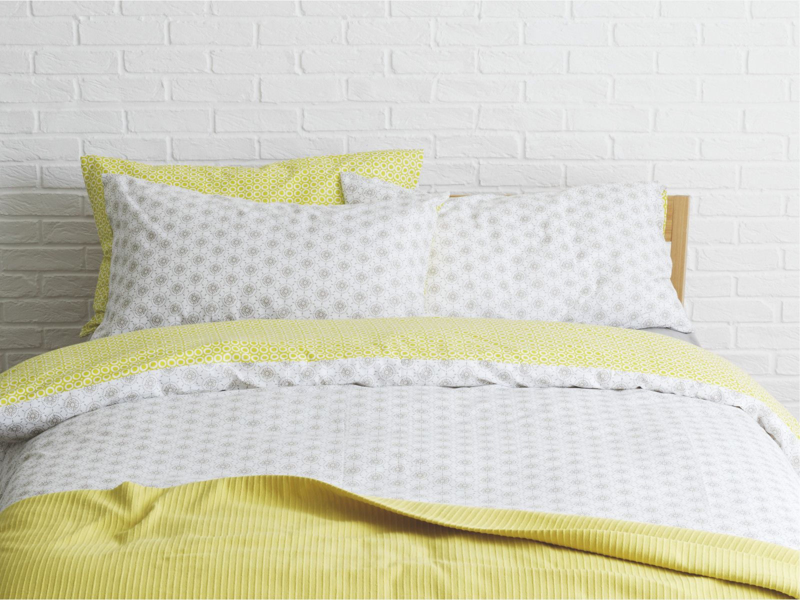 Ditsy Multi Coloured Cotton Grey And Yellow Reversible Single Duvet Cover Set Habitatuk