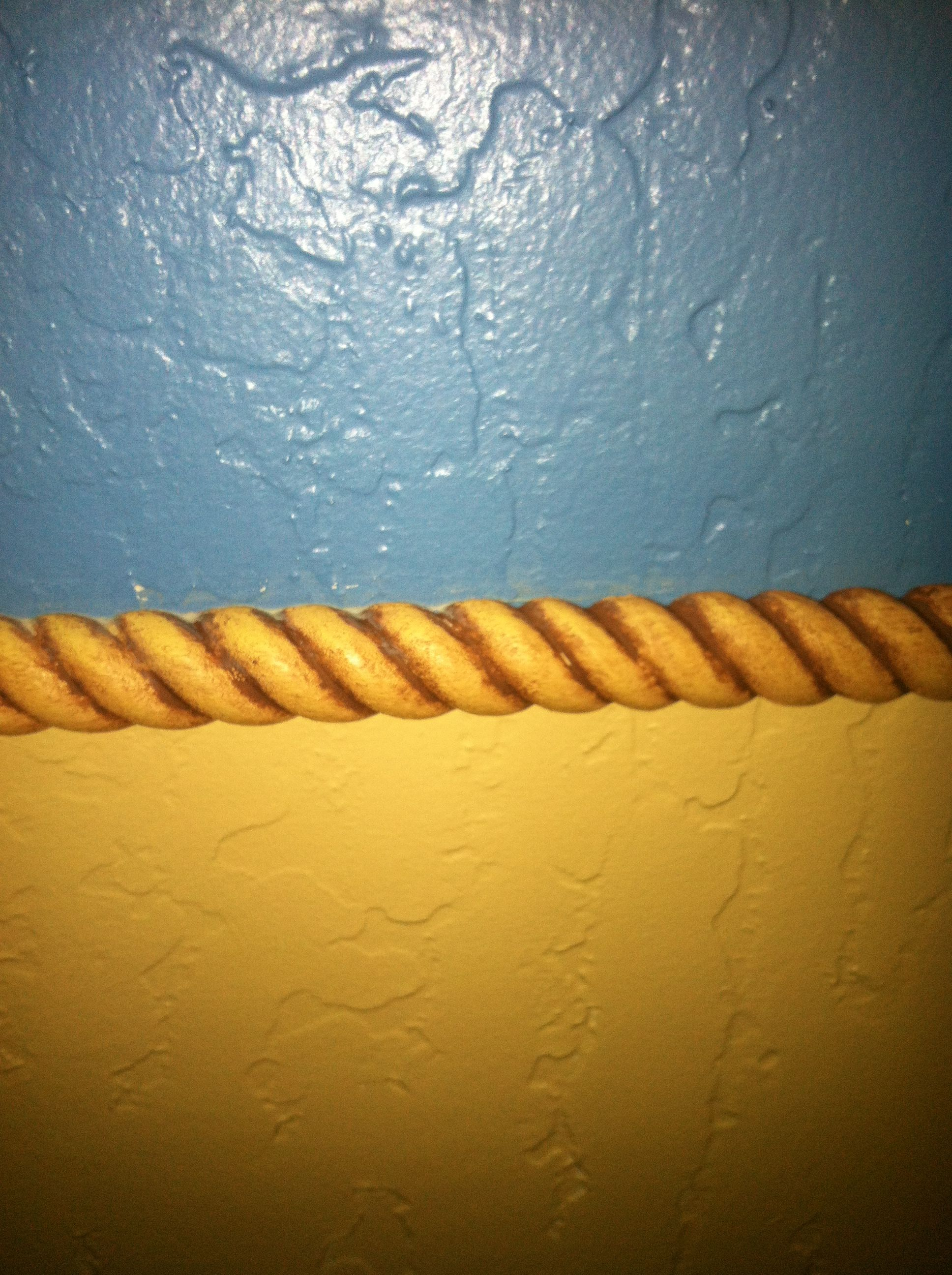 Rope is actually decorative wood trim painted with the Carmel wall ...