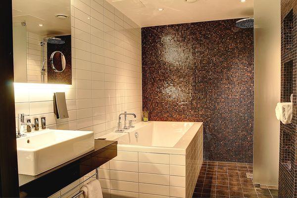 Clarion Hotel Sense bathroom