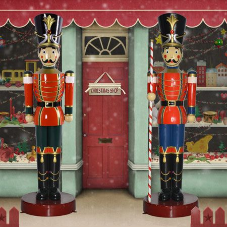 life size toy soldier and toy soldier wbaton 65 ft h 159900 these christmas toy soldiers are greatlarger than life what a splash they will make