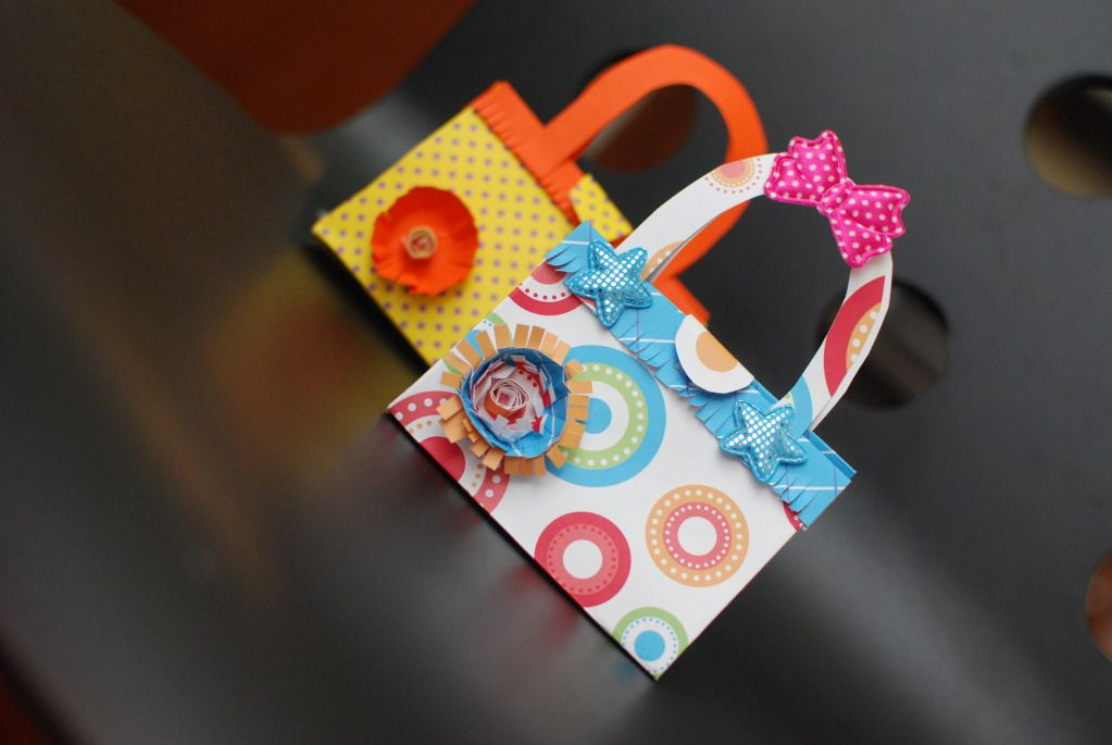 Paper handbag for holding gift cards holders or tiny gifts using paper,glue