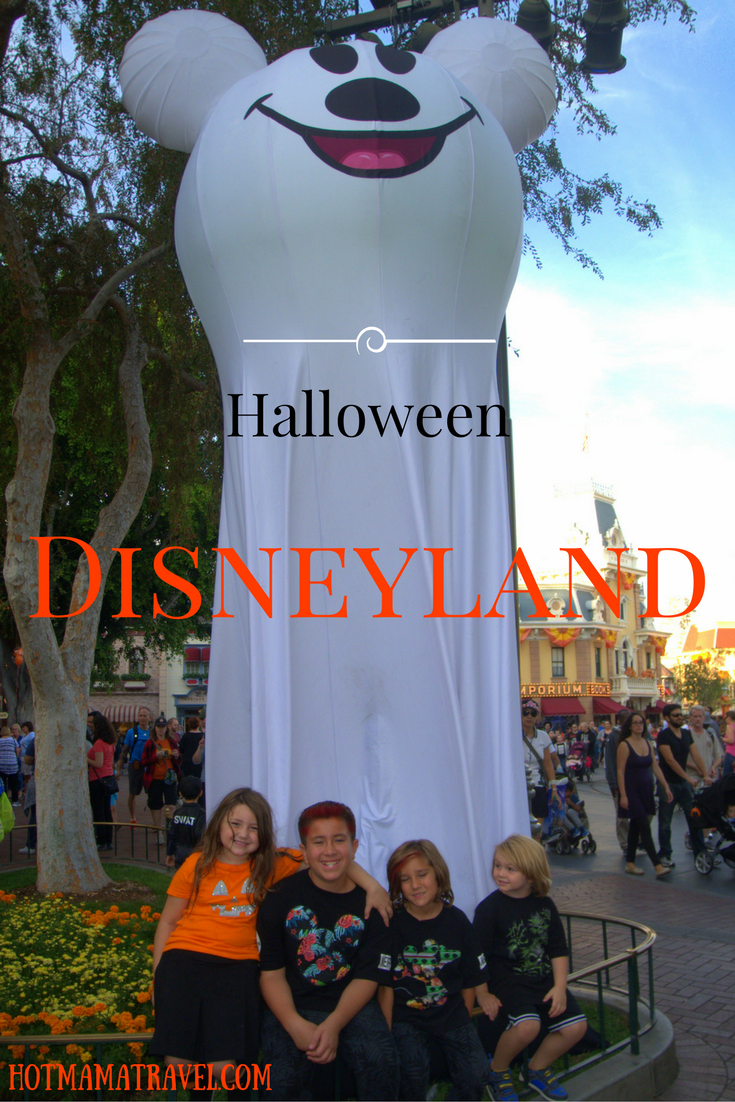 You don't have to wait for the weekends to celebrate Halloween at Disneyland! Click for the exciting details!