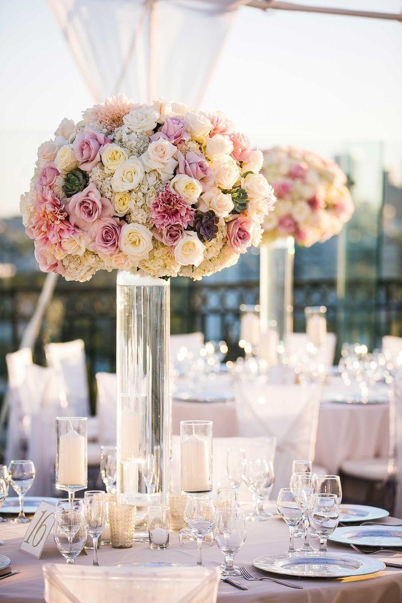 Arreglo Floral De Boda Alto Con Rosa Blanca Hortensia