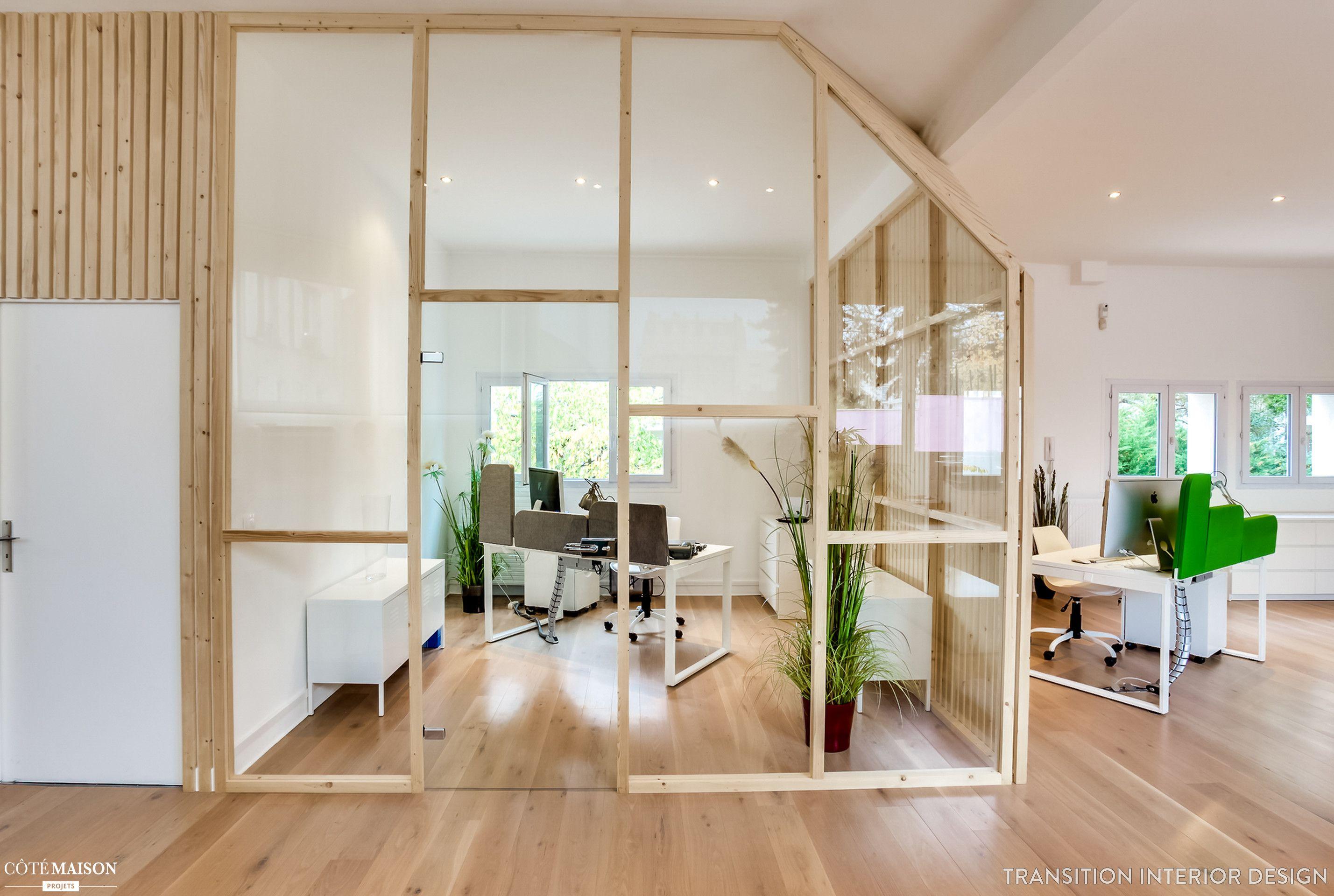 la verri re en bois clairs apporte une douce s paration de l 39 espace claustra pinterest. Black Bedroom Furniture Sets. Home Design Ideas