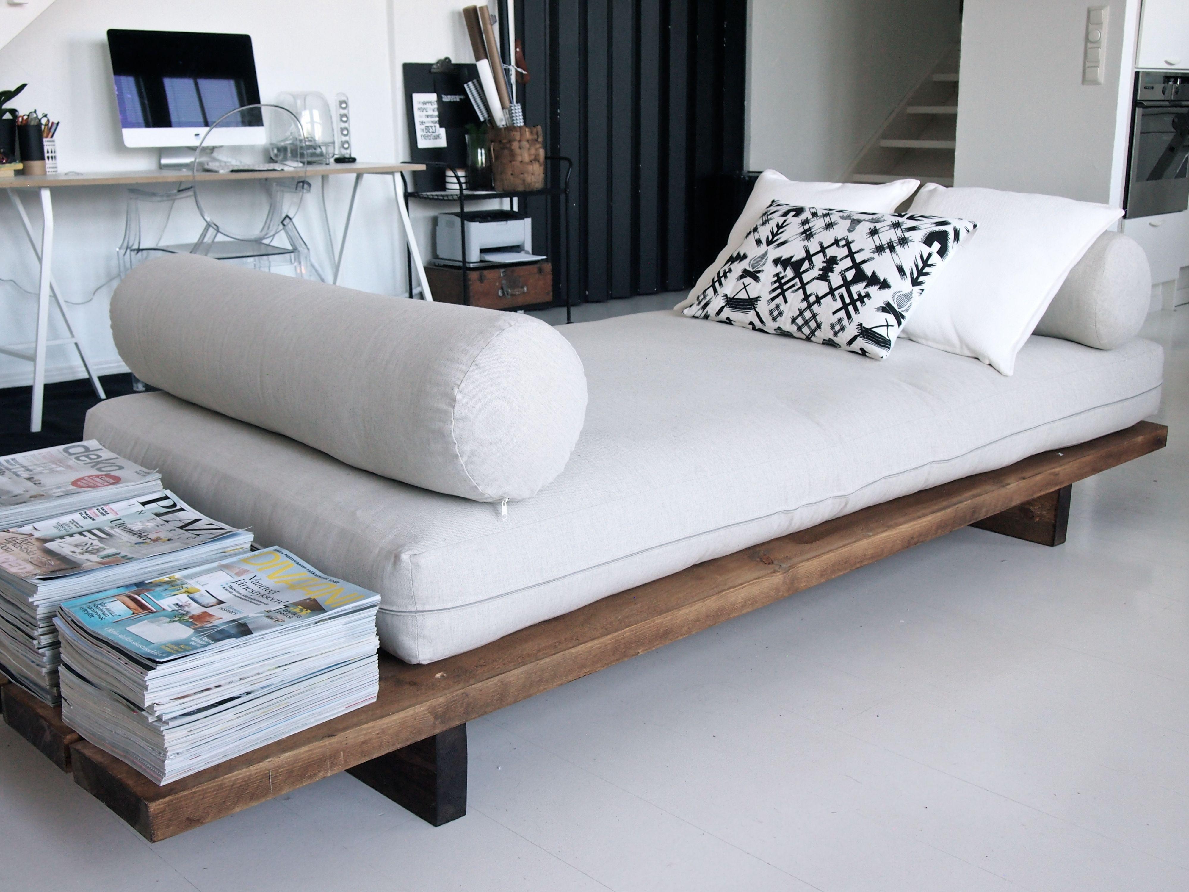 divan en palette de bois fashion designs. Black Bedroom Furniture Sets. Home Design Ideas