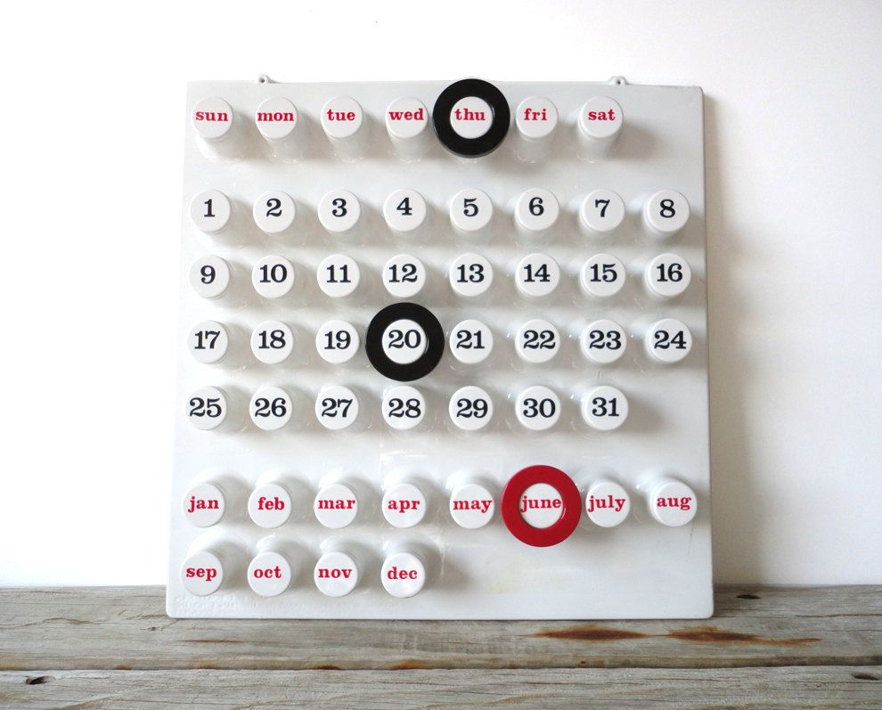 Euroway Torino Ring A Date wall calendar designed by Brusasco & Torretta Architetti. Designed and made in Italy in 1972