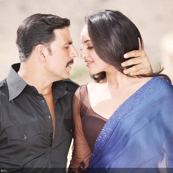 Akshay Kumar and Sonakshi Sinha in a still from the film Once Upon A Time In Mumbaai Dobara