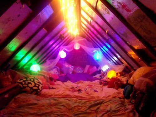 Awesome sleepover room