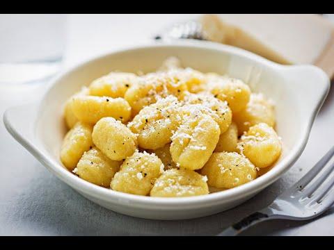 Chef Danielle S Ricotta Gnocchi With Two Sauces Youtube Ricotta Gnocchi Gnudi Recipe Gnocchi Recipes