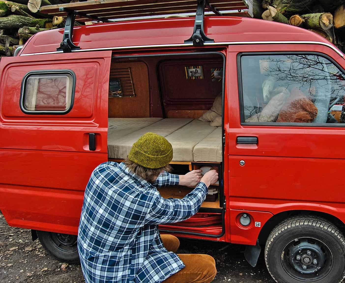 pin von passport diary vanlife blog auf mini camper. Black Bedroom Furniture Sets. Home Design Ideas