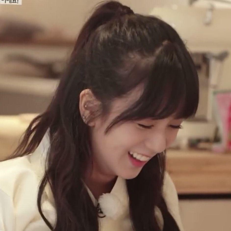 Jisoo Bangs Tumblr Hairstyle Blackpink Jisoo Hairstyles With Bangs