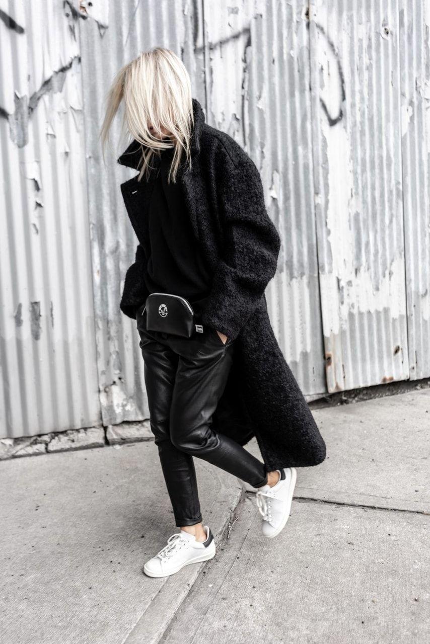 chanel noir kicks
