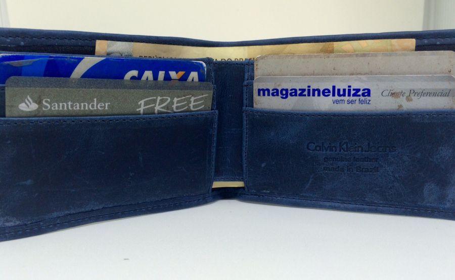 f4d55a599c557 Carteira Masculina Calvin Klein Couro Original Azul 2016 - R$ 47,99 ...